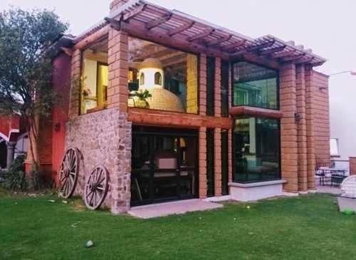 Residencia Tepotzotlán 4 Recámaras 6 Baños 2 Autos Jardín