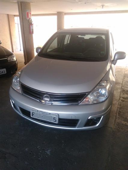 Vendo Nissan Tiida 2011/2012 Prata