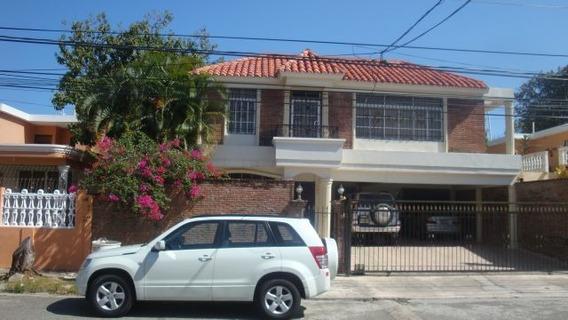 Casa De 4 Habitaciones En Miramar Av. Independencia