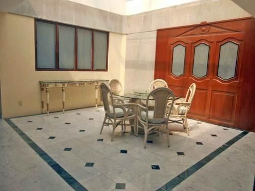 Excelente Oportunidad, Para Vivir En Hermosa Y Muy Amplia Casa