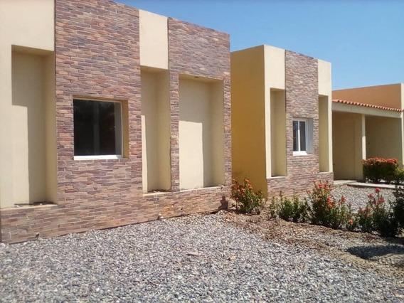 Metroinmuebles Vende Casa En Tucacas 0945