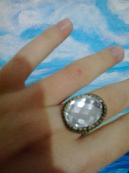 Anel Vintage Retrô Ouro Velho Com Pedra Imitando Diamante
