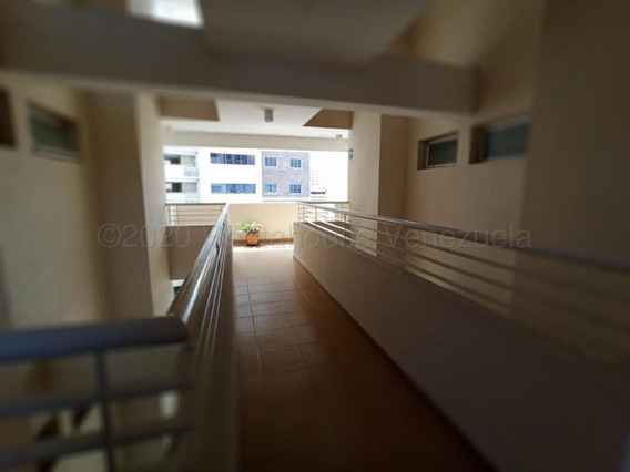 Apartamento En Venta Barquisimeto Rvld