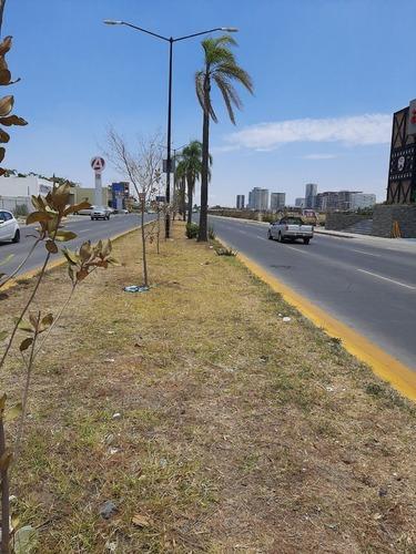 Excelente Terreno En Renta Para Uso Comercial Sobre Avenida Servidor Publico