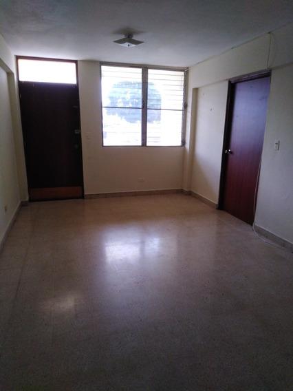 Apartamento En Alquiler A Solo $400.00 Villa Caceres