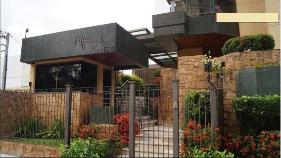 Edifício Algarve - Amplo Apartamento E Ótima Localização