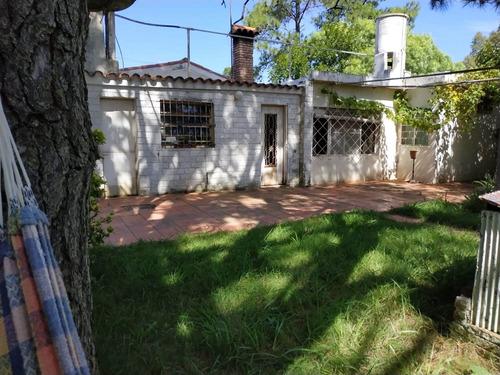 Venta De Casa Con Amplio Terreno (san Luis Sur)