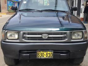Toyota Hilux 4x4 Año 2000