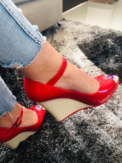 Sandalias Con Tacón Corrido Maria José - Color Rojo Pvc