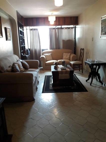 Vendo Apartamento En La Floresta De Maracay.