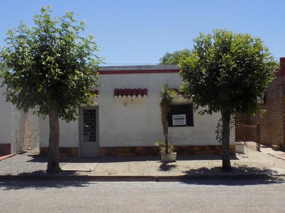 Casa En Venta En José E. Rodó A 1 Cuadra De La Ruta N° 2.
