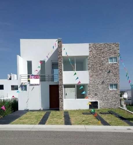 Se Vende Casa Hermosa En Grand Juriquilla Excelentes Acabados