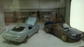 Diorama Gl Muscle Mustang´s 1965/2005 Limited Edition 1/64