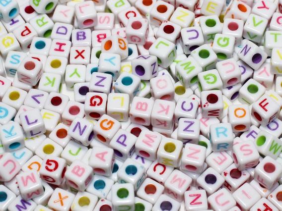 395 Miçangas De Letras Alfabeto P/ Pulseira - Menor Preço