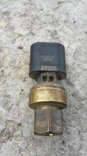Valvula Presion Combustible Sensor Presion Gasolin Silverado