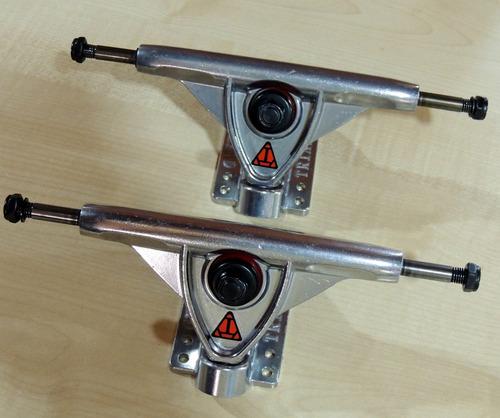 Par De Trucks De Skate Longboard Triad 149mm Polished