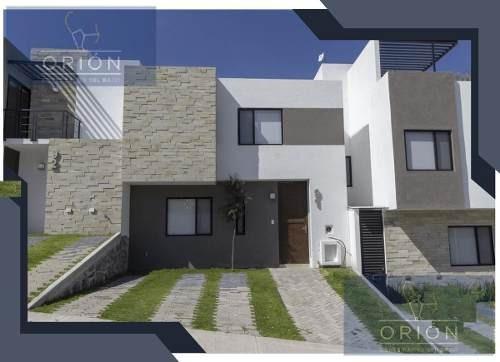 Casa En Venta, Zibatá, Querétaro Con Campo De Golf