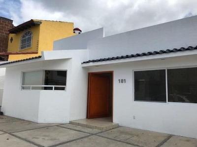 Kl/ Casa En Renta En Una Planta. Juriquilla, Qro.