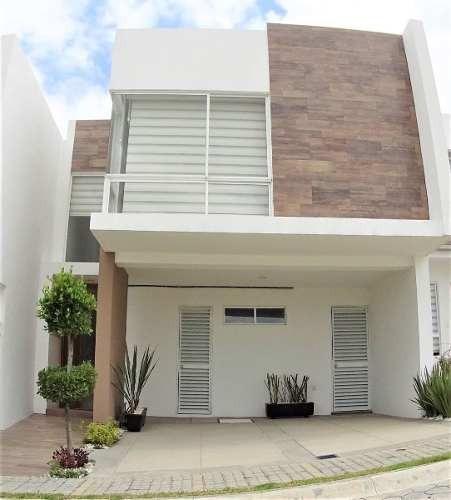 Casa En Venta En Parque Natura, Con Sala De Tv.!!!