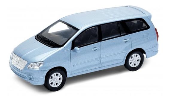 Toyota Innova Welly Escala 1:36