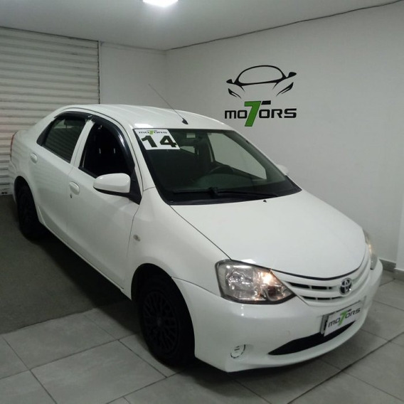 Etios Sedán 1.5 X Sedan 16v Flex 4p Manual