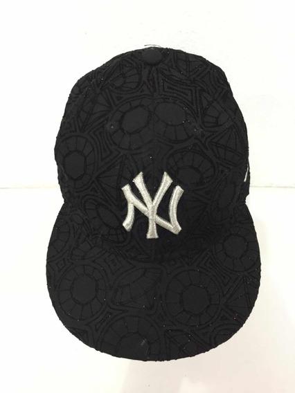 Gorra Yankees Ny Con Diseño Negro