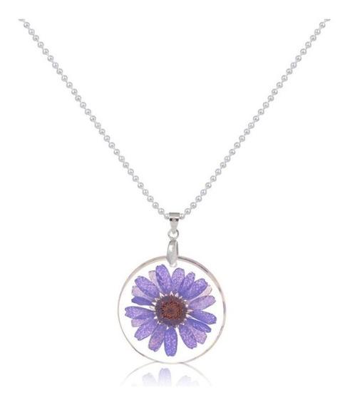 Hermoso Collar Natural Flor Encapsulada Morada, Detalle