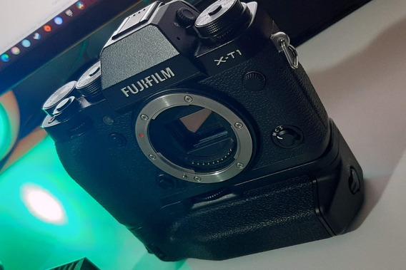 Fuji X-t1 - Com Flash E Battery Grip. Impecável!