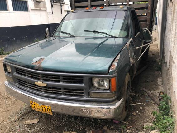 Camion 350 Chevrolet Cheyenne Estacas