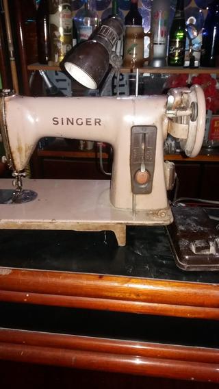 Maquina De Costura Antiga.