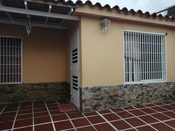 Casa En Venta El Amanecer Cabudare 20-2609 Jcg
