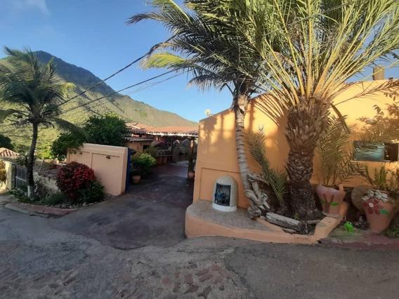 Casa 3 Habitaciones 5 Banos Guarame Isla Margarita