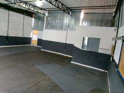Salão Para Locação No Bairro Vila Floresta, 3 Dorm, 4 Vagas, 200,00 M - 8436