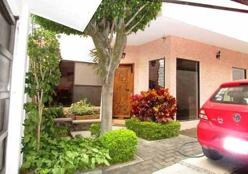 B3403. Hermosa Casa En Lomas De Cortes