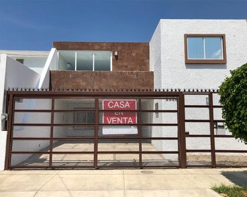 Casa En Venta En Res. Victoria, Cerca De Plaza Del Sol