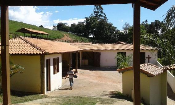 Sítio Com Haras Em Caxambu Sul De Minas , Com 60.000 M2, Perto Do Asfalto ,02 Casas, Salão Festas , ,baias. - 203