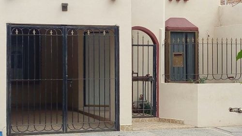 Venta De Casa En Colonia Sierra Bonita, Los Mochis, Sinaloa