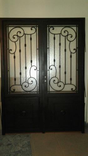 Puerta De Hierro Doble Hoja Con Marco Y Vidrio