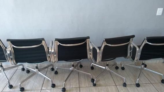 Cadeira Giratória Executiva Eames