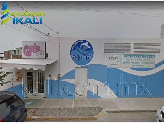 Local Comercial En Venta Cazones