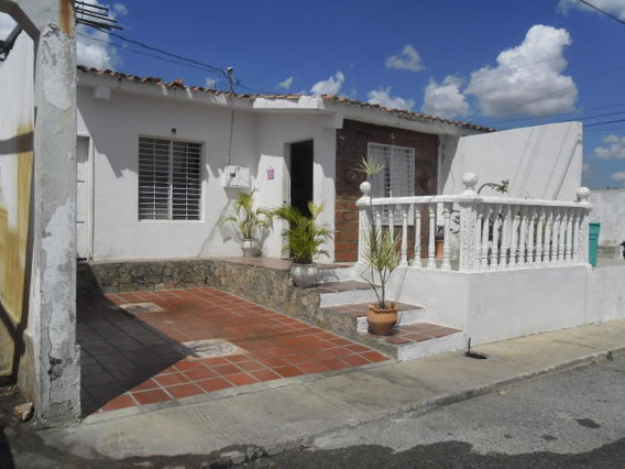 Casa En Venta El Cuji Mls 20-1061 Rbl