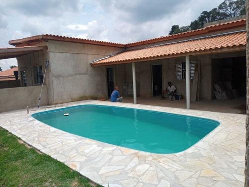 297 M², Chácara Com 03 Dormitórios, Churrasqueira E Piscina!