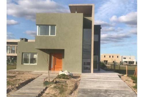 Puertos Del Lago - Barrio Araucarias - Excelente Casa 4 Ambi