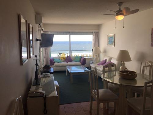 Apartamento De 2 Dormitorios Y Medio 2 Baños- Ref: 3198