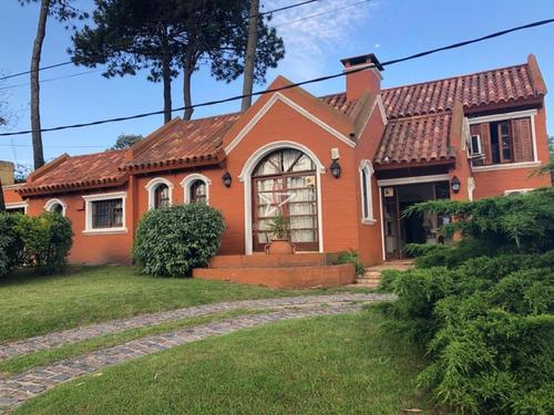 Casa, 3 Dormitorios, 2 Baños, Mansa, Punta Del Este, Venta- Ref: 809