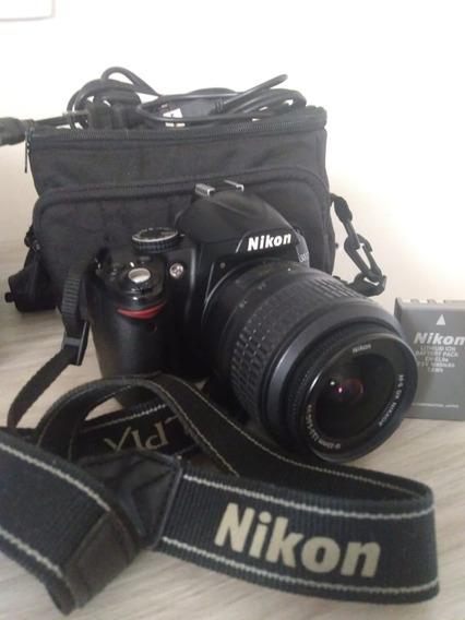 Camera Nikon D3000 Kit 18-55mm + Acessórios Seminova