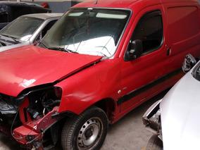 Peugeot Partner Furgon Hdi 2014 Chocado Andando