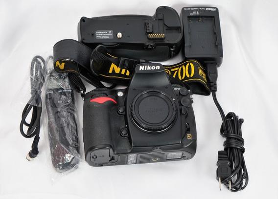 Nikon D700 15.731 Clicks