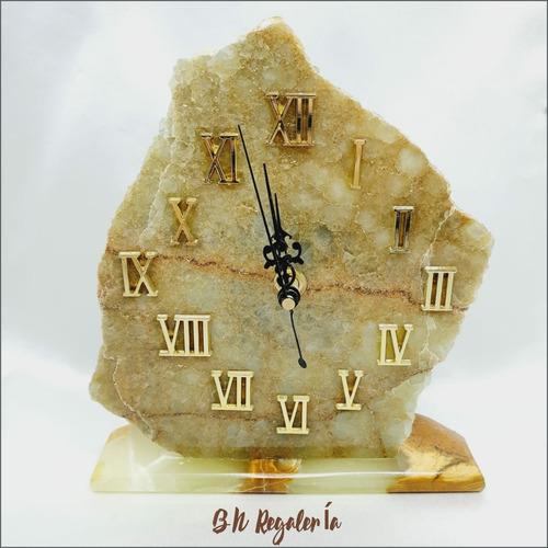 Bello Y Único Reloj En Piedra