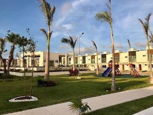 Casa En Venta En Residencial Duke De Long Island, Cancún Quintana Roo